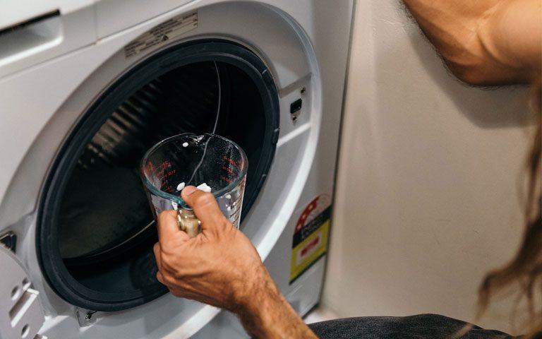 رفع بوی بد ماشین لبسشویی با جوش شیرین